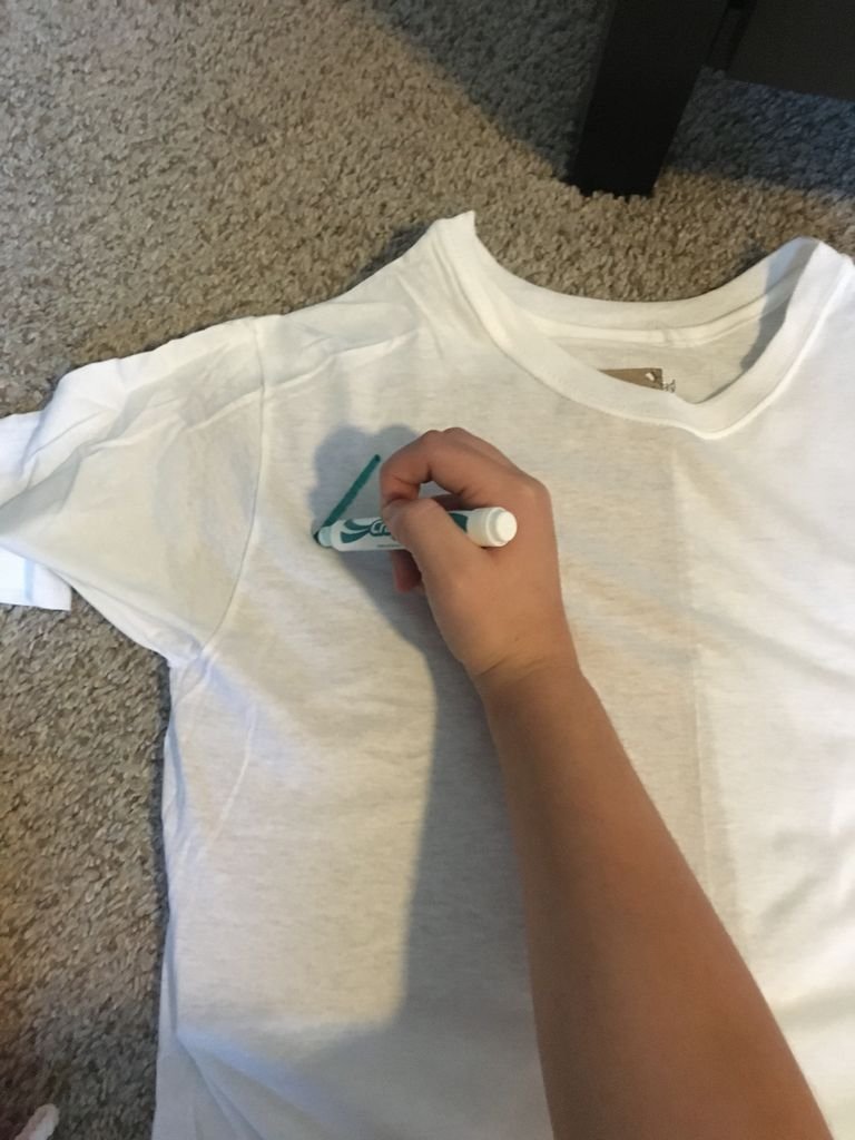 Picture of Draw Lines on T-shirt