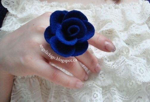 Picture of DIY: Felt Rose Ring { Tutorial }