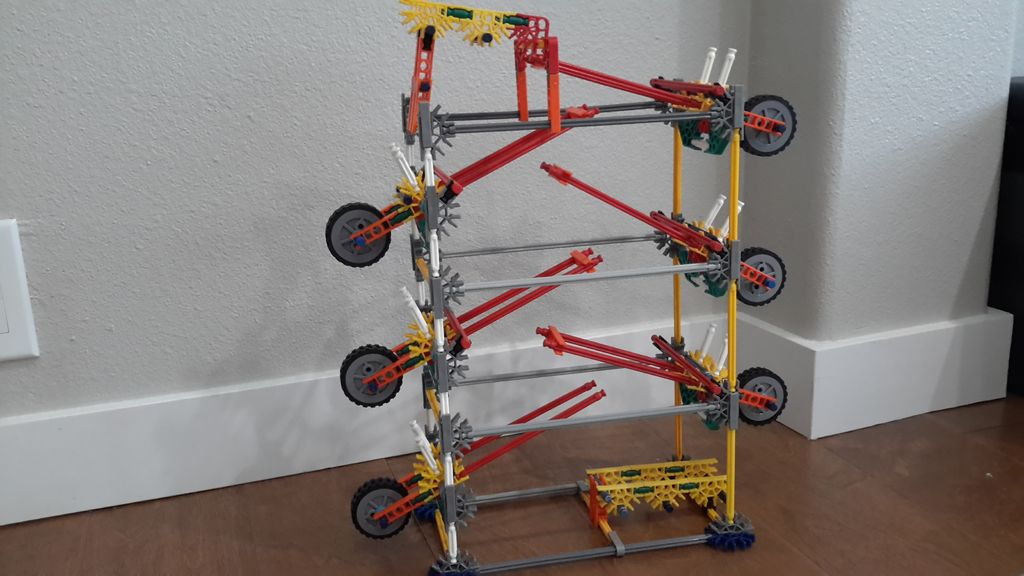 Picture of Seesaw, a K'nex Ball Elament