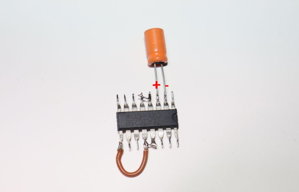 Picture of Connect 1st Capacitor