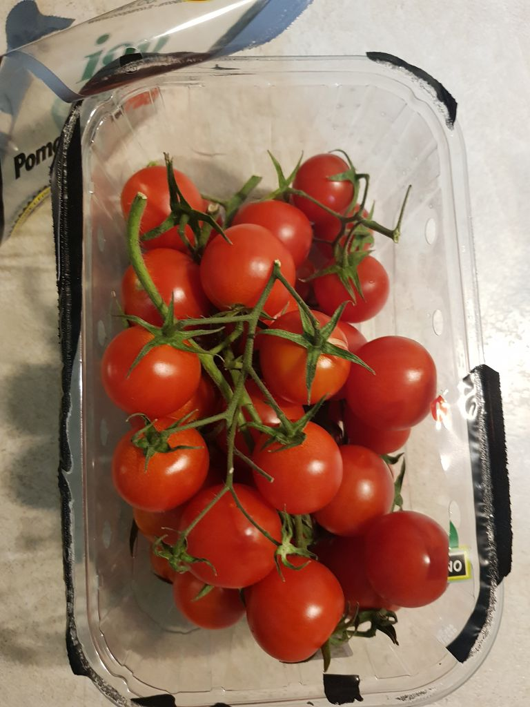 Picture of Cut Tomatoes