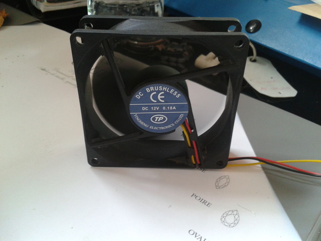 Picture of Make Your Own USB Fan  | English / Francais