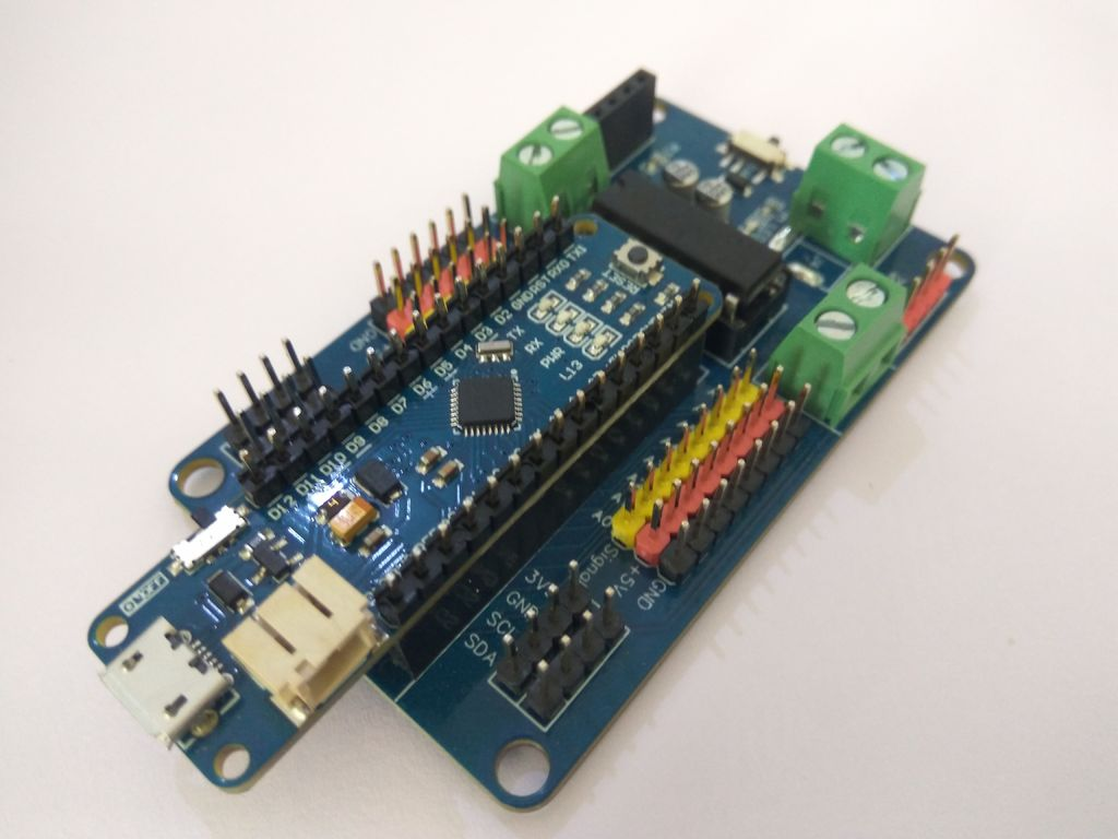 Picture of Nano Robot Controller & How to Use It.