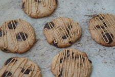 Easy Vegan Peanut Butter Chocolate Chip Cookies