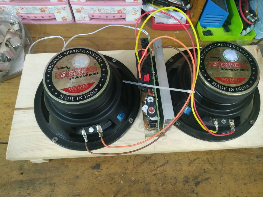 Picture of Connecting Speakers With the Amplifier Board