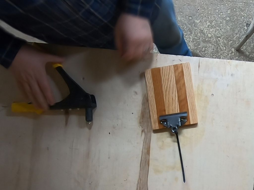 Picture of Attaching the Clipboard Clip