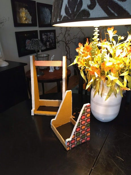 Picture of Cardboard Easel