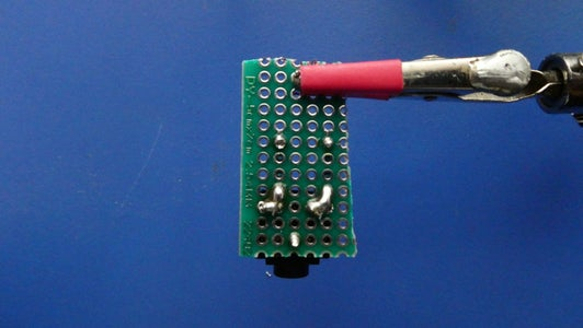 Solder the 3.5mm Audio Jack to the Perfboard