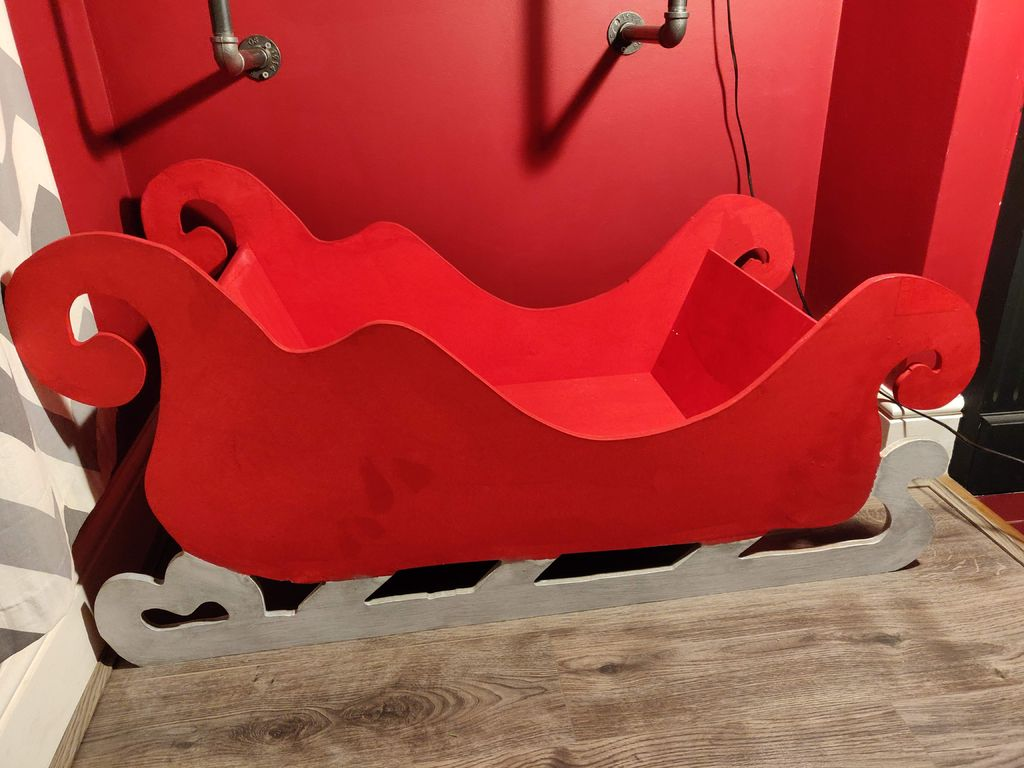 Picture of Plywood (or MDF) Sleigh to Display Christmas Gifts