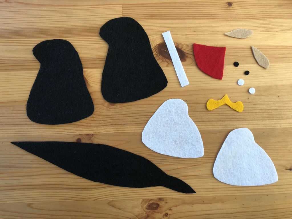 Picture of Cut Out the Felt Pieces