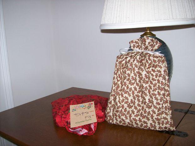 gift-bags-filled.JPG