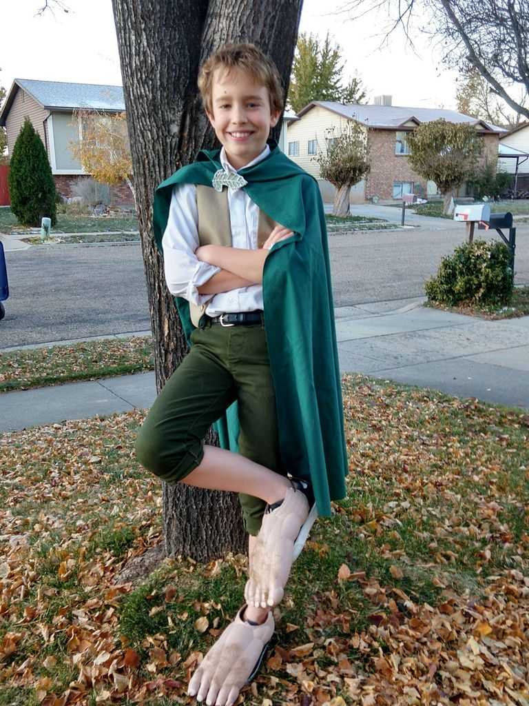 "Picture of The Hobbit ""Feet"" Costume"