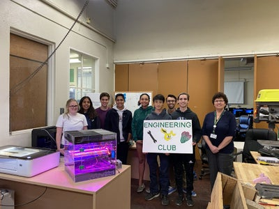 Growing Beyond Earth Lettuce Box - Poly Engineering Club