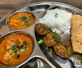 Spice Banquet With Murgee Pottage and Ada Kebab