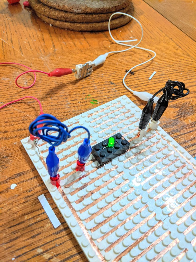 Picture of Building a Circuit