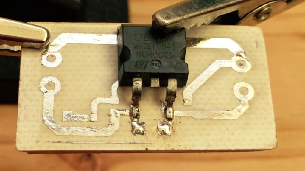 Picture of SOLDERING 7805 VOLTAGE REGULATOR AND 1N4007 DIODE