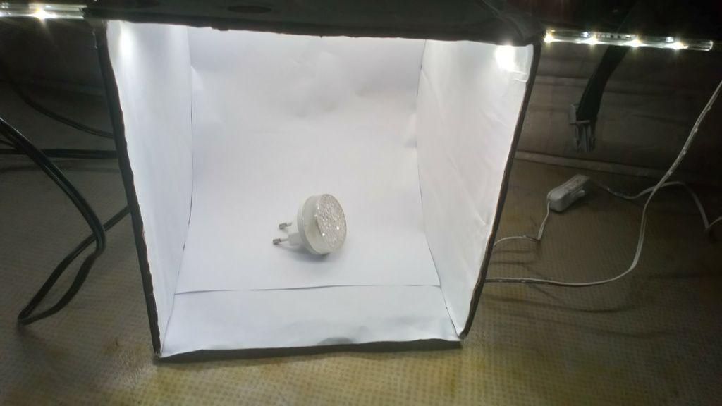 Picture of Small 20cm X 20cm DIY Cardboard Photo Light Studio for Biginners