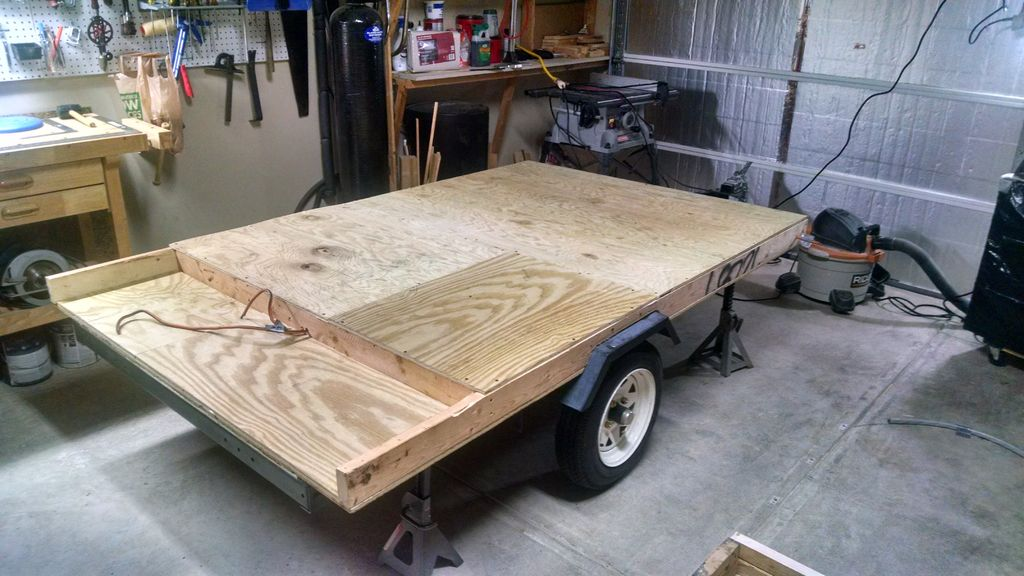 Picture of Trailer and Deck Base