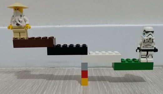 LEGO Structure With Equilibrium Point