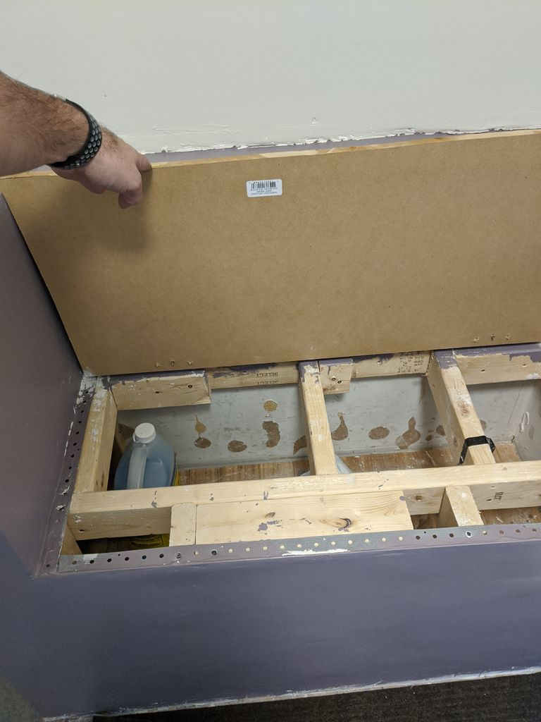 Picture of Attaching Hinges