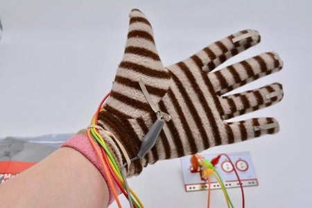 Connect Makey Makey