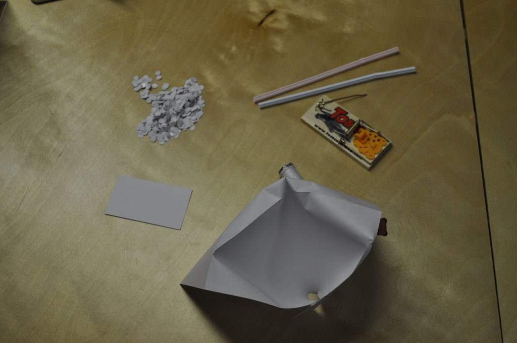 Introduction Make a Confetti Trap & Make a Confetti Trap