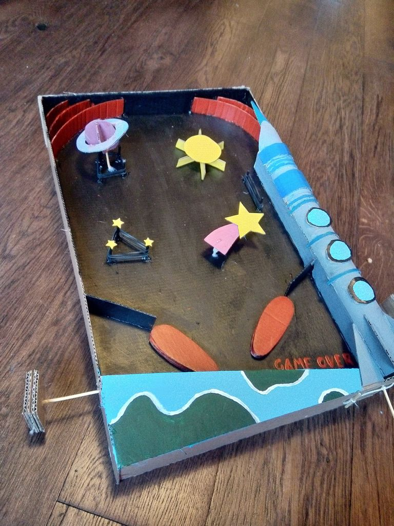 Picture of Space Pinball Machine (cardboard)