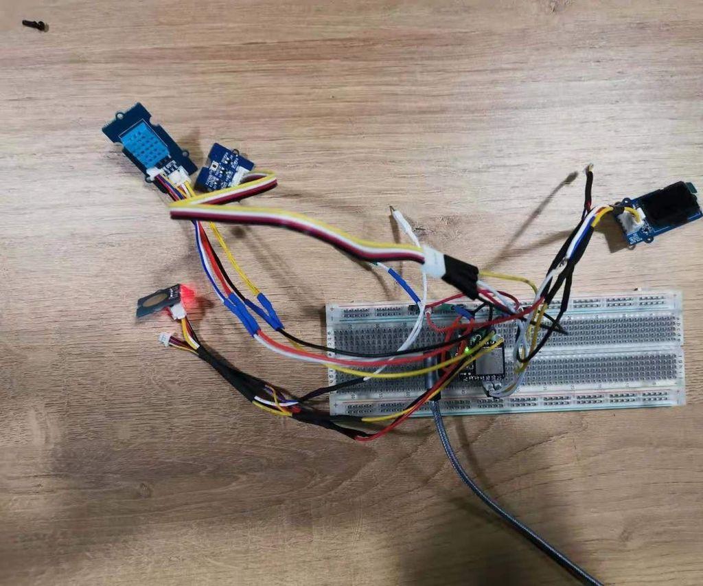 Environmental Sensors Cooperate With Seeeduino XIAO