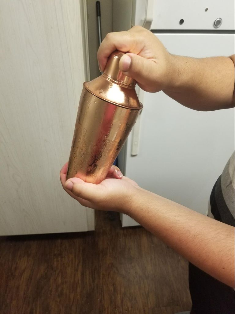 Picture of Secure Lid on Shaker