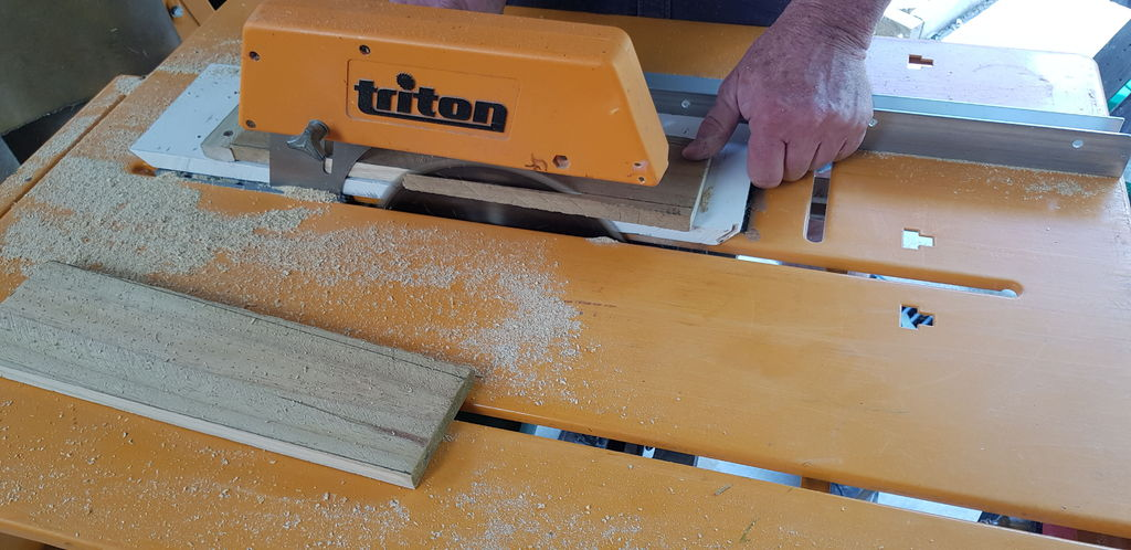 Picture of Making a Jig for the Palings