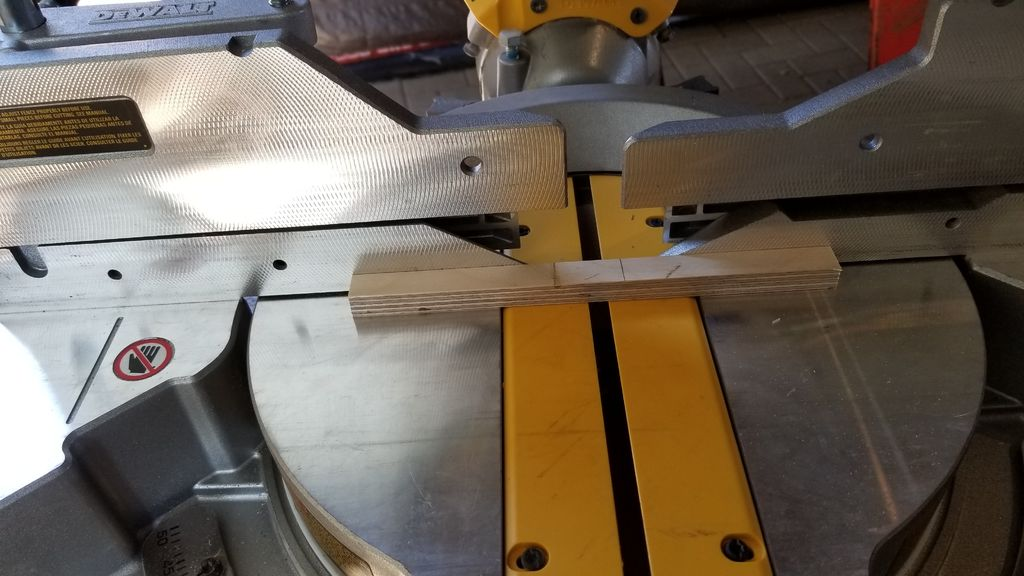 Picture of Hold the Blades in Place