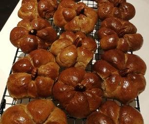 Pumpkin Bread Rolls