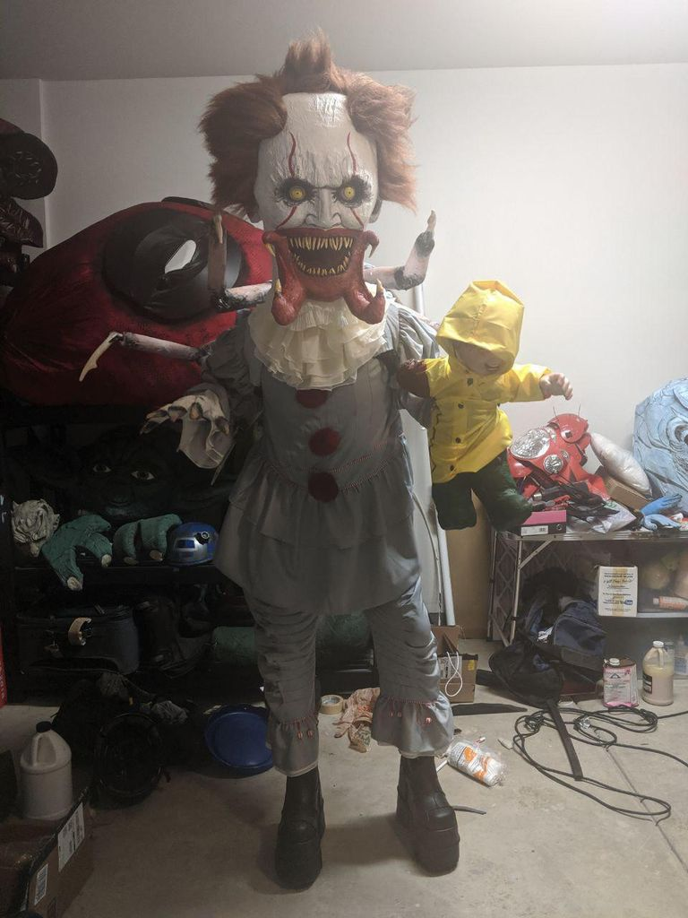 Picture of Pennywise (IT) Transforming Into a Spider
