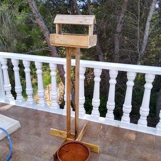 Reclaimed Pallet Bird Feeder