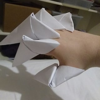 3 Ways to Make Origami Paper Claws - wikiHow | 320x320