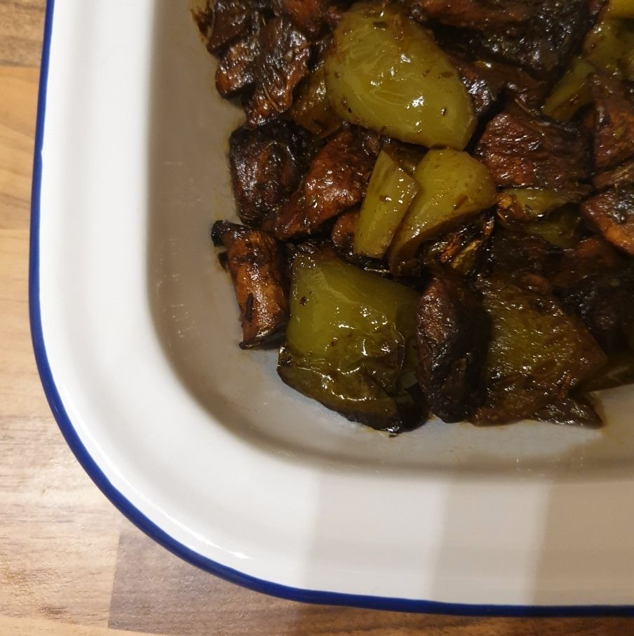 Picture of Mushrooms and Peppers Roasted With Herbs and Balsamic Reduction