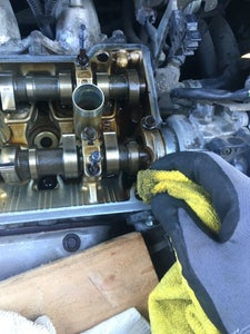 Clean the Valve Cover Gasket Groove, Spark Plug Seal Seats & Engine
