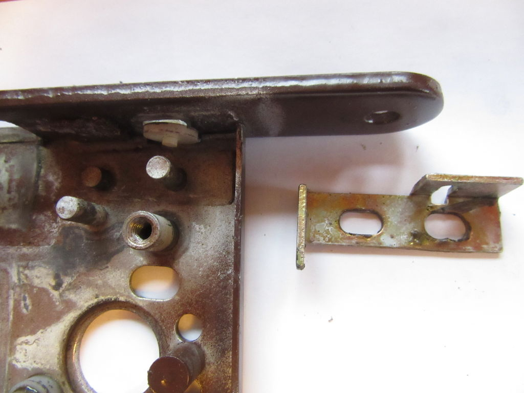 Picture of Disassembling a Boda 4235 Lockcase - Mode Snib Group