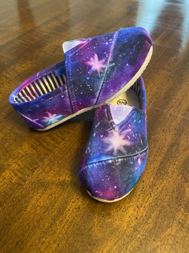 Picture of DIY Sharpie Galaxy Shoes