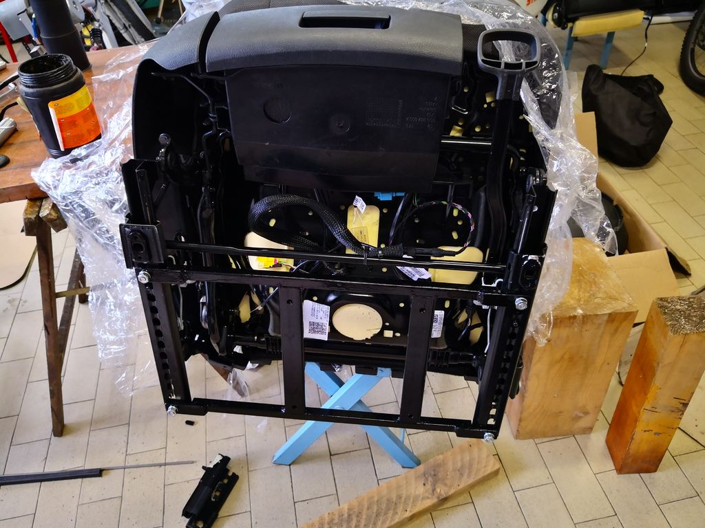 Picture of The Bracket for Joining Office Chair Plate and Car Seat Rails