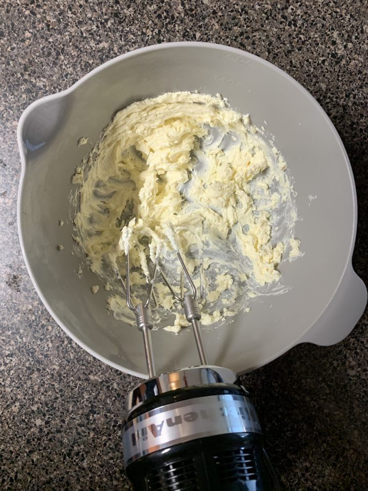 Picture of Frosting: Step 2