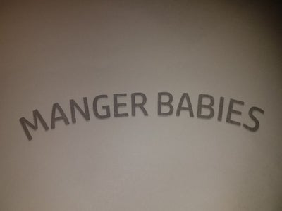 Making the Manger Babies Sign