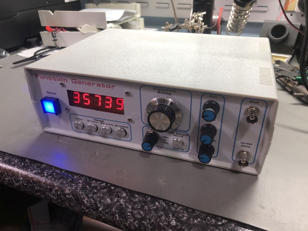 Picture of Build This 5Hz to 400KHz LED Sweep Signal Generator From Kits