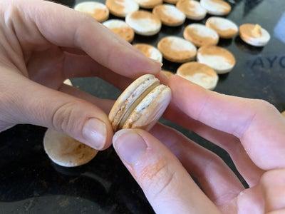 Fill the Macaron Shells