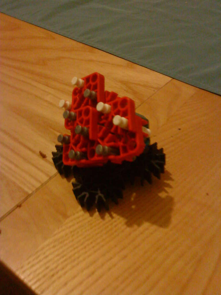 Picture of K'nex Heart for Valentines Day