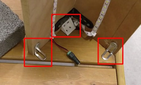 Connecting Angle Brackets for the Lamp Base
