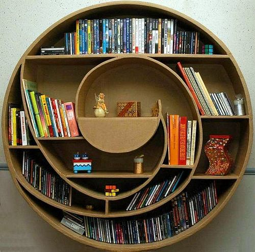 Picture of Circular Cardboard Shadowbox (Hot-glue Method)