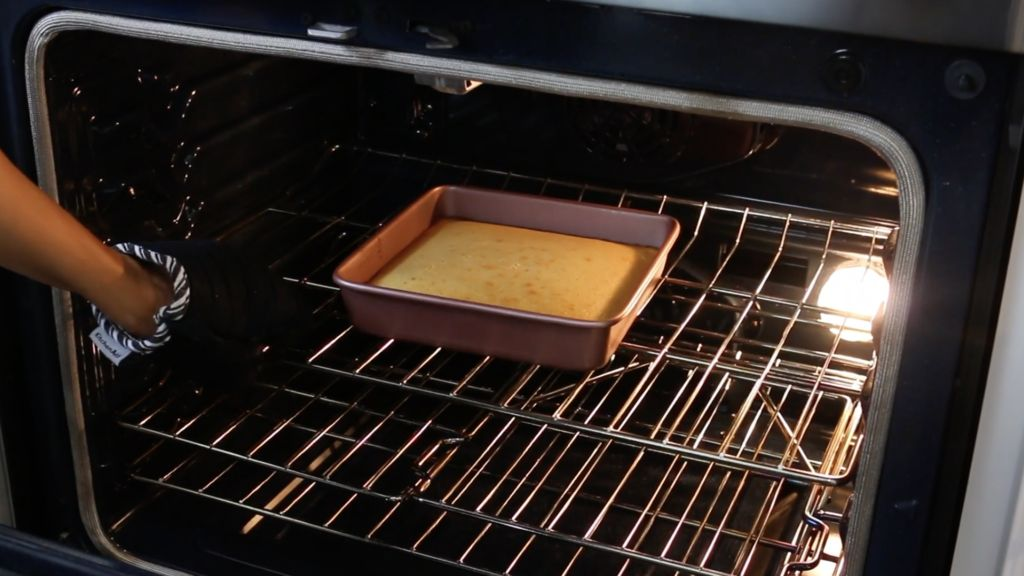 Picture of Pull Cornbread Out of Oven