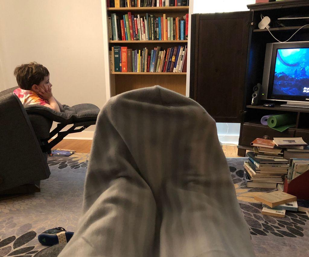 Super Easy Blanket With Foot Pocket