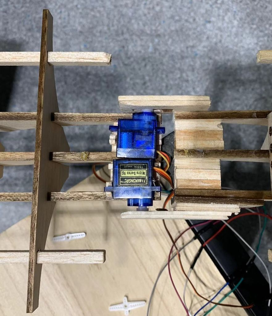 Picture of Use Micro Servo to Connect Two Main Bodies of the Bridge.
